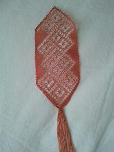 Maca pajinas de Rosa Bobbin Lace, Bookmarks, Inspiration, Fashion, Pink, Bobbin Lacemaking, Patterns, Branding, Towers