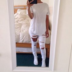 This outfit has an all white t-shirt, white ripped jeans and white converse. This outfit would be useful for when I go to an all white party. Tomboy Fashion, Fashion Mode, Fashion Killa, Look Fashion, Womens Fashion, White Fashion, Street Fashion, Fall Fashion, All White Outfit