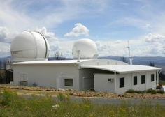 The Research School of Astronomy and Astrophysics' Mount Stromlo Observatory. ― Picture courtesy of rsaa.anu.edu.au