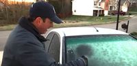 Weatherman Sprays DIY Solution Onto Windshield And The Icy Frost Is Gone In An Instant - This is incredible, you'll never have to wait for your car to heat up and defrost again! How To Clean Headlights, Clean Windshield, Car Fix, Big Battle, No Heat, Car Cleaning, Cleaning Recipes, Cleaning Hacks, Car Hacks