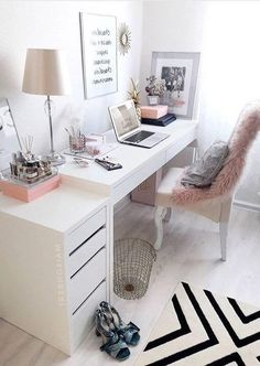 31 White Home Office Ideas To Make Your Life Easier; home office idea;Home Of Corporate Office Design, Modern Office Design, Office Interior Design, Office Interiors, Stylish Interior, Cozy Home Office, Home Office Space, Home Office Decor, Office Ideas