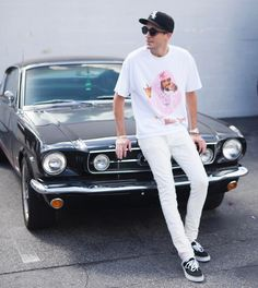G-Eazy wearing New Era White Sox Cap, Saint Laurent Mid Waisted Skinny Jeans, Vans Vans Old Skool G Eazy Style, Urban Fashion, Mens Fashion, Baby G, Baby Daddy, New Era Hats, Men Photography, Hip Hop Rap, The Villain