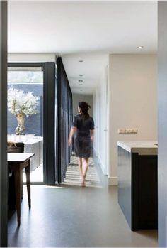 'mooi diffuus licht door transparante gordijnen'