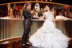 Pin for Later: Les 33 Robes de Mariée les Plus Marquantes du Cinéma Hunger Games: L'embrasement