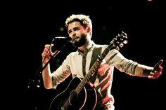 Passenger komt dit weekend naar Amsterdam! De Britse singer-songwriter geeft op 25 juni een gratis show in het Vondelpark Openluchttheater.