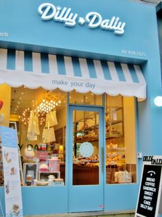The Dilly*Dally Bakery in Gangnam, Seoul, Korea. Dilly*Dally is one of the cutest bakeries in Korea with 3 franchises in the area offering all things cute and sweet. Design Shop, Shop Front Design, Cafe Design, Store Design, Bakery Store, Bakery Cafe, Cute Store, Mini Store, Dilly Dally