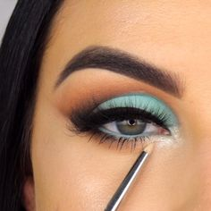 New Eye Makeup Videos from Serena Cleary – EYE Makeup - Makeup Tutorial Smokey Uk Makeup, Makeup News, Eye Makeup Art, Makeup Goals, Makeup Videos, Beauty Makeup, Eye Make Up Videos, Benefit Makeup, Green Makeup