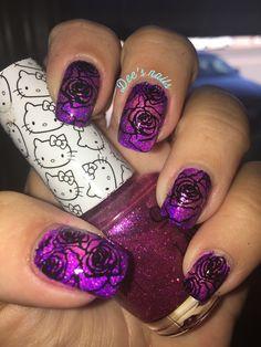 Radial gradient roses nails