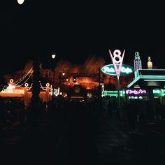 Vroom vroom get out me car  #Carsland #Disneyland #dlr #californiaadventure #onlyaileen #iphone6s #vsco #vscocam #thatsdarling #darlingmovement #gablien by aileeenstagram