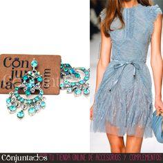 ¡#Pendientes Especial #Fiestas! Esta #Navidad vas a brillar con luz propia con los preciosos pendientes azules con strass ★ Precio: 17,95 € en http://www.conjuntados.com/es/pendientes/pendientes-largos/pendientes-azules-con-strass.html ★ #novedades #earrings #joyitas #jewelry #bisutería #bijoux #accesorios #complementos #moda #fashion #estilo #style #GustosParaTodas #ParaTodosLosGustos