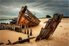 Abandoned Ships, Abandoned Places, Row Row Your Boat, Float Your Boat, Boat Art, Old Boats, Am Meer, Shipwreck, Seascape Paintings