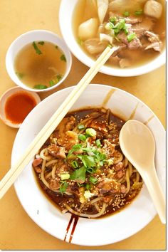 Seremban Wet Market famous beef noodles, cuttlefish noodles, Hakka noodles, Seremban Siew Pow from Asia Confectionery, Haji Shariff Cendol and Yi Poh Asian Recipes, Ethnic Recipes, Ipoh, Beef And Noodles, Malaysian Food, Food Travel, Confectionery, Chinese Food, Places To Eat