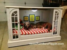 nice dog house or play area for the kids or Ollie's new dog crate! Diy Pour Chien, Diy Dog Bed, Dog Furniture, Upcycled Furniture, Pallet Furniture, Furniture Ideas, Dog Rooms, Home Goods Decor, Animal Projects
