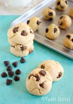 Coconut-Macadamia Chocolate Chip Cookies | Tutti Dolci