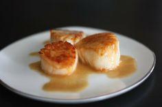 Seared Scallops with Garlic Beurre Blanc