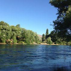 Aguas azules del Río Limay