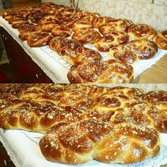 Greek Desserts, Greek Recipes, Greek Easter Bread, Sweet Bread, Food Processor Recipes, French Toast, Bakery, Food And Drink, Sweets