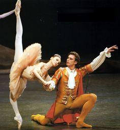 "<<Svetlana Zakharova (Bolshoi Ballet) as Aurora in ""The Sleeping Beauty"">> Ballet Nyc, Paris Opera Ballet, Ballet Pictures, Ballet Photos, Dance Pictures, Bolshoi Theatre, Bolshoi Ballet, Dancers Pose, Ballet Dancers"