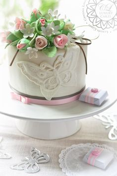 Baby Girl Cake, by Paris Luxury Cakes