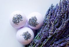 Make your own #DIY bath bombs - lavender edition.