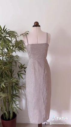 Fashion Sewing, Diy Fashion, Sewing Clothes, Diy Clothes, Sewing Tutorials, Sewing Projects, Fashion Terms, Diy Tops, Handmade Dresses