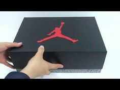 Nike Air Jordan Retro 5 White Metallic Silver Unboxing [HD] - http://maxblog.com/4215/nike-air-jordan-retro-5-white-metallic-silver-unboxing-hd/