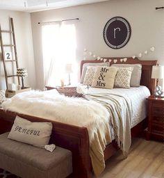 Farmhouse Master Bedroom Decorating Ideas (62)