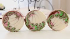 Making and Cutting round soap swirl