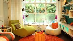 Liegesessel-abgerundete-Fenster-Modulen-bunte-Farben