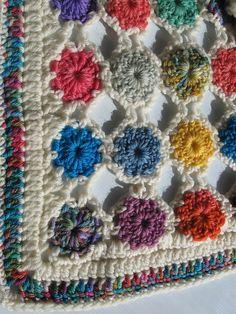 Simple Yoyo Square pattern by Chris Simon - free Ravelry download