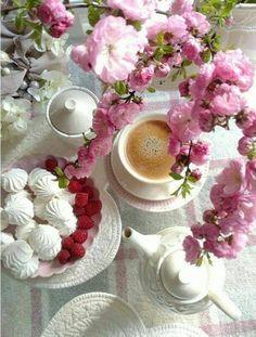 I Love Coffee, Coffee Art, Coffee Break, Coffee Cups, Raspberry Tea, Breakfast Tea, Tea Mugs, Good Mood, Afternoon Tea