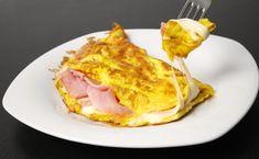 Sono mezza francese, adoro le uova...volevate che non vi mettessi una classica omelette prosciutto e formaggio? A differenza della frittata, l'omelette vie