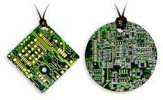Circuit Board Necklace - Dije de tarjeta de circuito