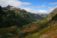 The Best Sections of the Pacific Crest Trail in Northern Washington.