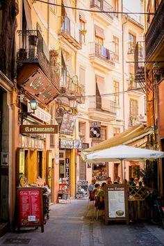 Valencia, España.  Spain Travel  Få adgang til vores hjemmeside Meget mere information  http://storelatina.com/espana/travelling #e-spain #španska #mokowhiti #viajem