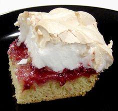 Grandpa's beard - a Danish classic Meringue Cake, Fruit Jam, Scandinavian Food, Let Them Eat Cake, Danish Food, Sweet Breakfast, Denmark, Eat Smart, Cake Recipes