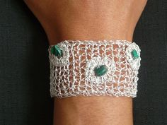Crochet silver plated bracelet // non-tarnishable metal wire knitted like bracelet with malachite gemstones// by FlowCrochet on Etsy