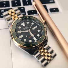 A space to share/discuss Seiko Watches you have customised or modded. Want to ask questions about you Seiko Modding? Lux Watches, Relic Watches, Armani Watches, Stylish Watches, Seiko Watches, Luxury Watches For Men, Cool Watches, Seiko Skx007 Mod, Seiko Skx009