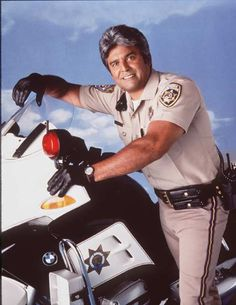 The California Highway Patrol is retiring some BMW motorcycles from its fleet and replacing them with Harley-Davidsons. Larry Wilcox, California Highway Patrol, Detroit Police Department, Harley Davidson, Cop Uniform, Spanish Men, Childhood Tv Shows, Cop Show, Pierrot