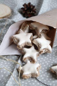 Sugar Cookies Recipe, Cookie Recipes, Cinnamon Stars Recipe, Low Carb Candy, Roasted Walnuts, Best Christmas Cookies, Diy Food, Make It Simple, Food Porn