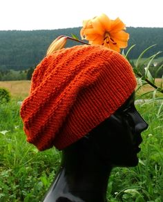 Le bonnet Vitamine Bonnet Rasta, Knit Crochet, Crochet Hats, Beret, Knitting Yarn, Knitted Hats, Free Pattern, Couture, Grisaille