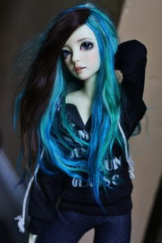Bjd, love the wig! Clay Dolls, Blythe Dolls, Doll Toys, Kawaii Doll, Gothic Dolls, Anime Dolls, Creepy Dolls, Monster High Dolls, Custom Dolls