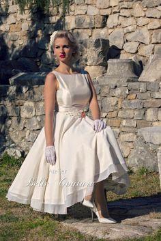 Atelier Belle Couture   schlichtes Chiffon Brautkleid im Vintage Stil