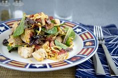 BBQ Cheddar-Chicken Salad with Tomatoes