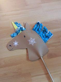 Nadelfee - made by wishcraft: Schnelles . Nadelfee – made by wishcraft: Schnelles Steckenpferd aus Pappe Birthday Games For Kids, Horse Birthday Parties, Cowboy Birthday, Diy For Teens, Crafts For Teens, Diy For Kids, Unicorn Diy, Unicorn Party, Cowboy Crafts