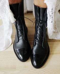 Leather Brogue Boots – - Jensie Culton - Damen Hochzeitskleid and Schuhe! Tennis Shoes Outfit, Women's Shoes, Me Too Shoes, Shoes Style, Shoes Men, Reef Shoes, Nike Shoes, Shoes Sneakers, Flat Heel Boots
