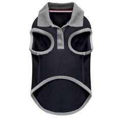 Polo en piqué marine Col en interlock gris chiné Galon tricolore dans le col Ouverture avec boutons personnalisés « M&P » Etiquette tissée brodé en haut du dos