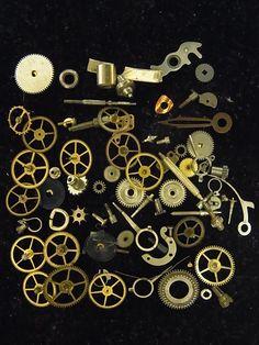 049f68f392 懐中時計の歯車、部品10gです。スチームパンク、レジンの材料としてお使い下さい。写真の現物を送りますので、安心です。写真の100円硬貨は、大きさの目安 です。商.