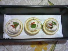 sanduiche de mozzarela de bufala e atum...com forminhas de limão siciliano!