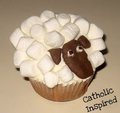 Lamb of God or Good Shepherd Cupcakes {Cute and Yummy} | Catholic Inspired ~ Arts, Crafts, and Activities!